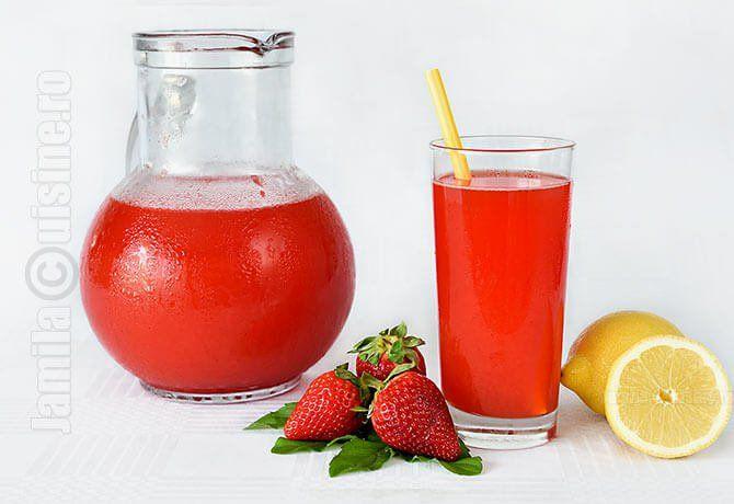 Limonada cu capsuni va fi bautura mea racoritoare preferata vara aceasta. Pur si simplu m-am indragostit de ea, e absolut delicioasa!