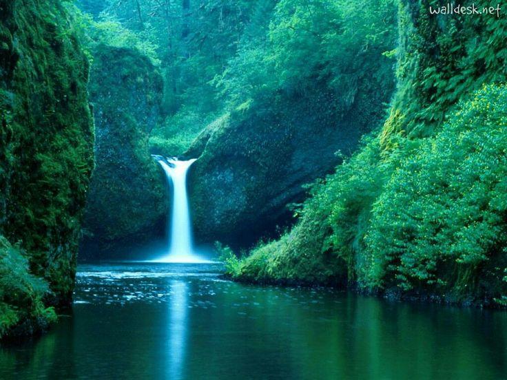 Punch Bowl Falls Columbia Gorge , Oregon