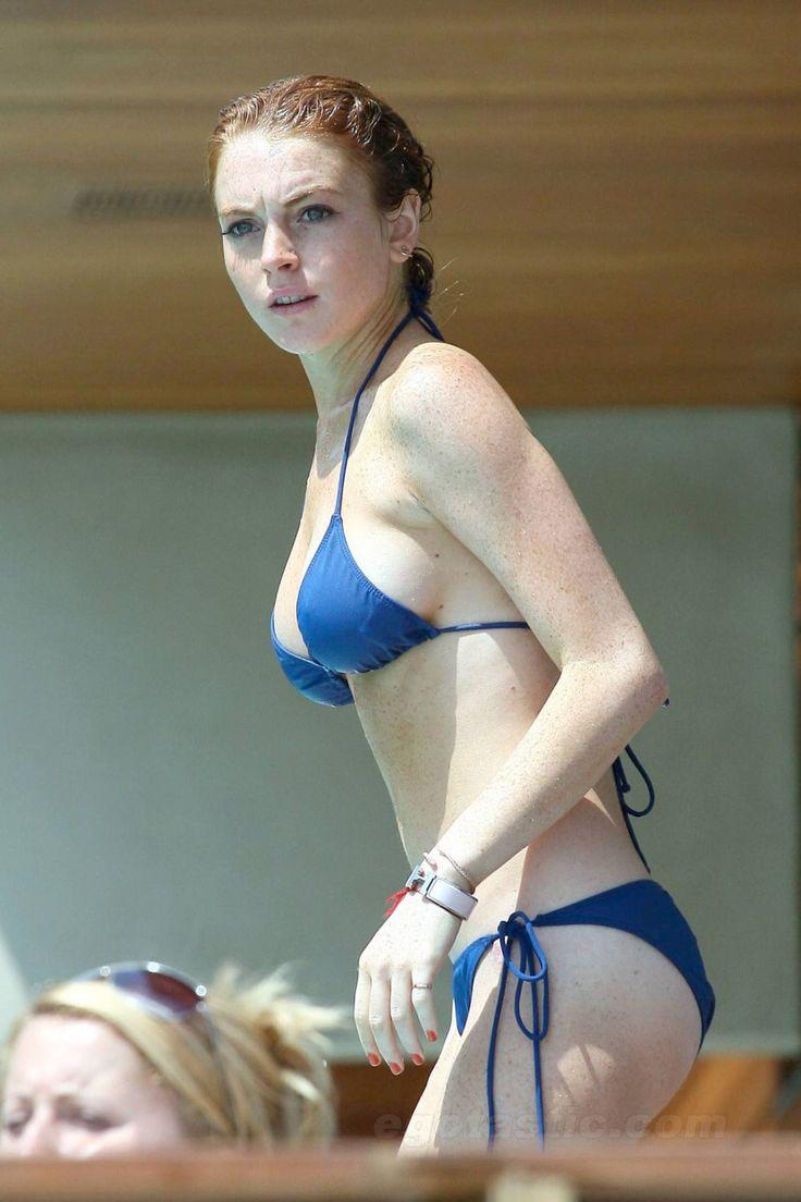 Lindsay lohan in a spoted bikini