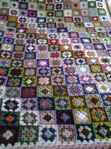 Dilek Kaya Afgan verev motifli battaniye