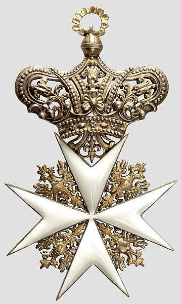 Cross of a Knight of the Grand Priory of Austria or the Grand Priory of Bohemia (Großpriorats Böhmen und Österreich). #OrderofMalta #SMOM