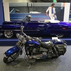 Johnny Hallyday's Cadillac and Harley Davidson at Retromobile 2017 (325462)