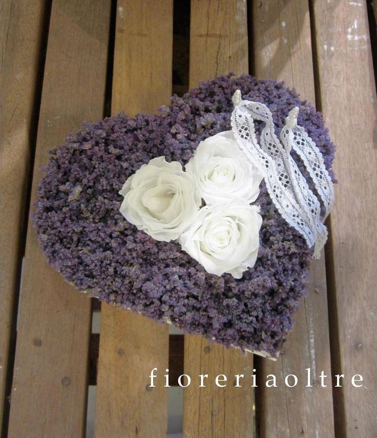 Fioreria Oltre/ Floral ring bearer pillow/ Preserved flower ring bearer pillow…