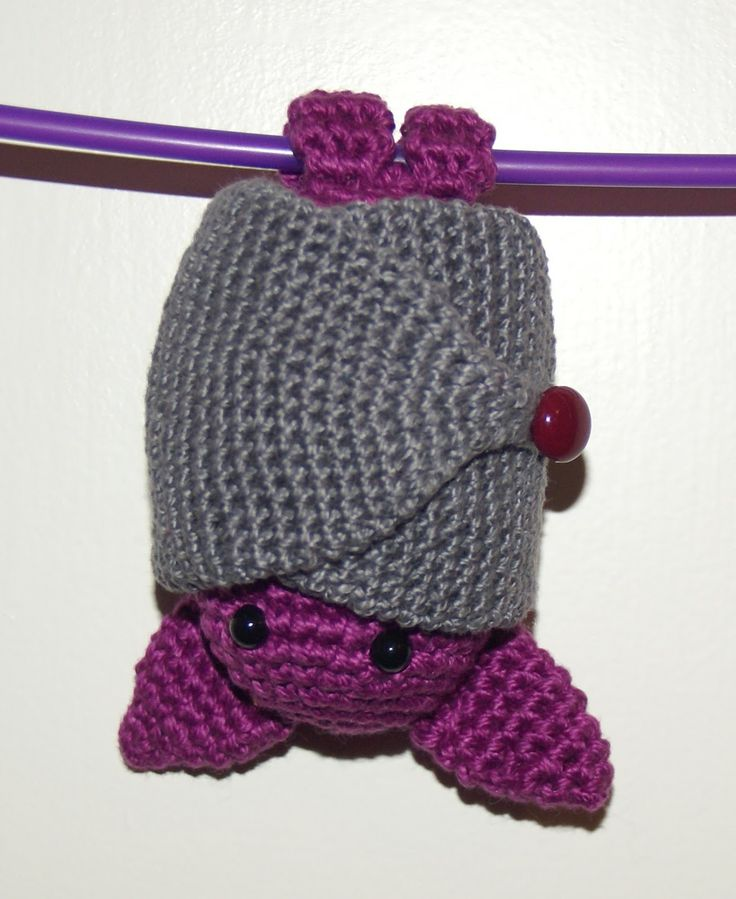 Amigurumi Bat. Pattern in Spanish, but with google translate you can kinda get the gist of it. Very cute!