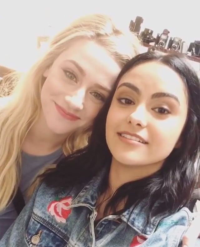 Riverdale ❤️ Lili Reinhart and Camila Mendes (Betty Cooper and Veronica Lodge)