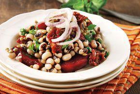 Σαλάτα με παντζάρια και όσπρια από την Αργυρώ Μπαρμπαρίγου | Χορταστική σαλάτα με παντζάρια, γεμάτη αρώματα και γεύση. Ιδανική για απαιτητικούς καλεσμένους!