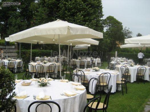 http://www.lemienozze.it/operatori-matrimonio/luoghi_per_il_ricevimento/castello-per-ricevimenti-roma/media/foto/16 Ricevimento matrimonio all'aperto in un castello
