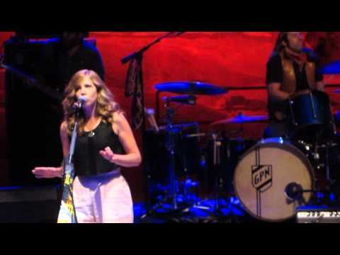 """Grace Potter and the Nocturnals & Rachael Price - """"Wild Horses"""" (Live)"""
