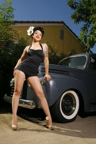 Pin up Belle Adams. Photographer Roy Varga