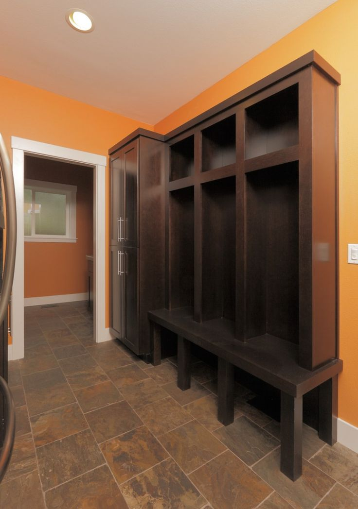 Luxurious Mud Rooms in White Color : Classic Mud Rooms Furniture Three Cabinets Wooden Floor