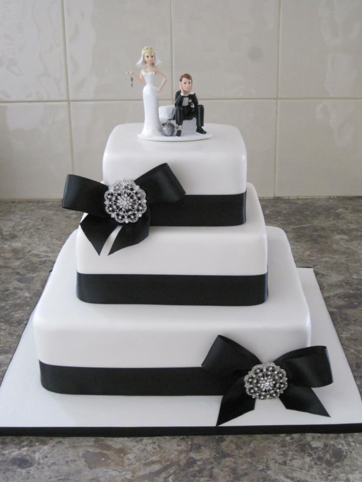 Black and white 3 tier wedding cake