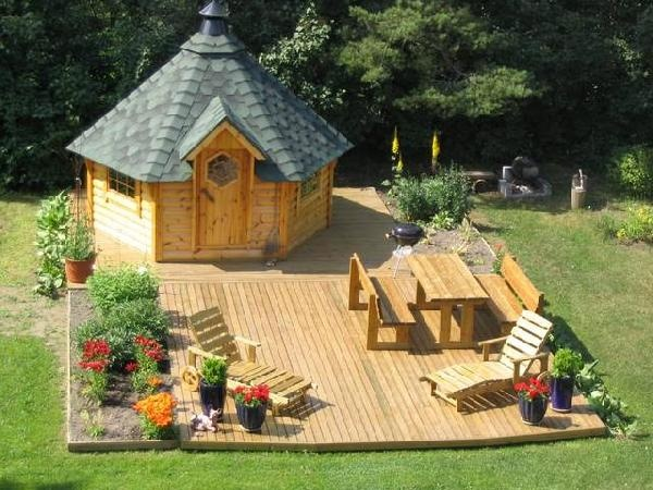 Glenwood Log Cabins - Glenwood Products is a County Leitrim, Ireland based importer and distributor of log cabins, Spa Crest and Vision Hot Tubs, decking and timber products and bitumen roof shingles.