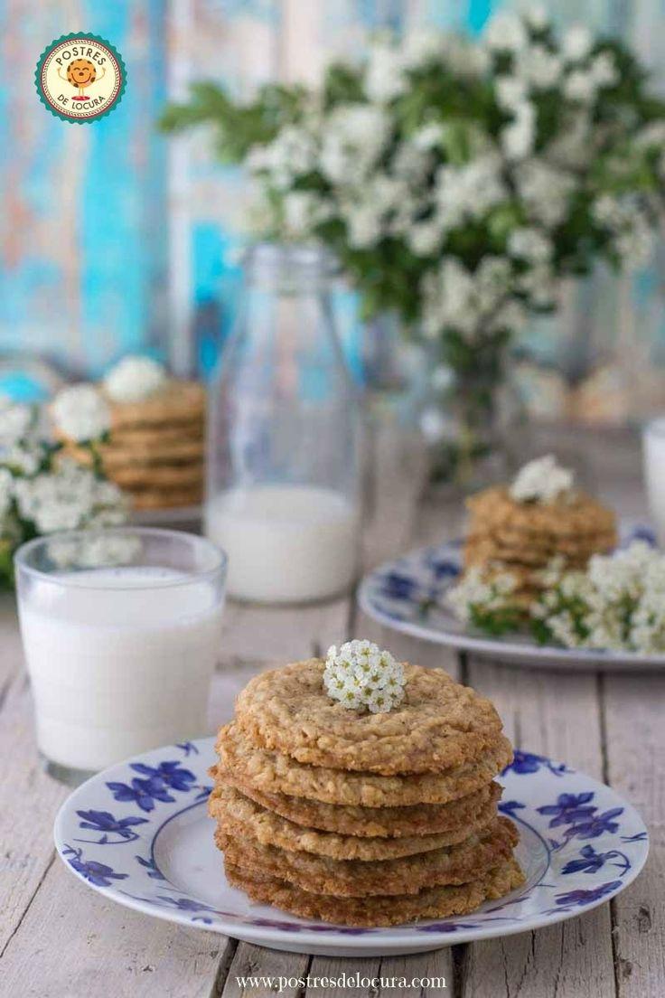 Galletas de avena finas y crujientes. Thin and Crunchy Oatmeal Cookies.