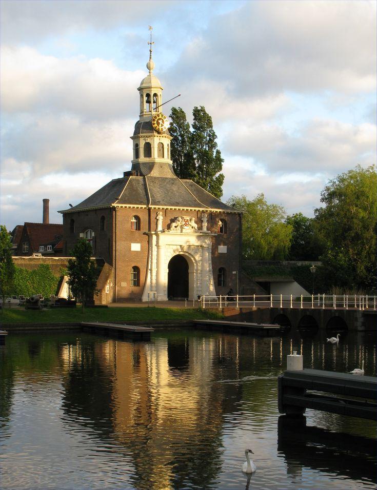 The east gate of Leiden, the Zeilpoort.