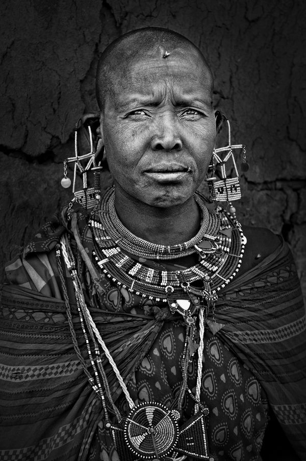 These incredible black and white Masai tribe portrays were taken by french photographer Patrick Galibert.