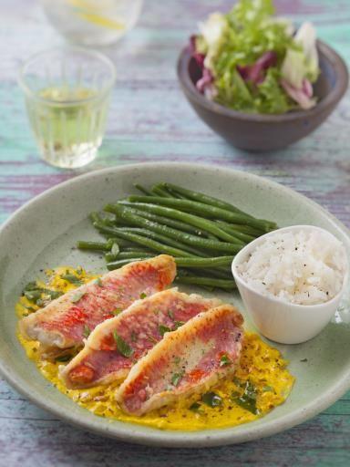 Filets de rouget sauce safranée - Recette de cuisine Marmiton : une recette