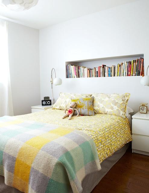 Easter yellow. Valerie Wilcox for Covet Garden Leuk, zo'n nis voor boeken als hoofdeinde