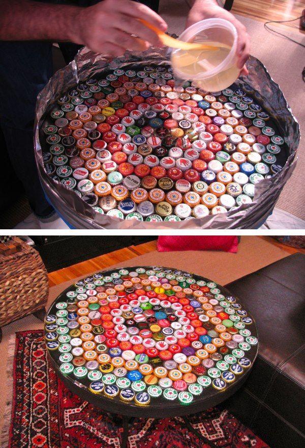 Ikea-Tisch mit Kronkorken verschönert