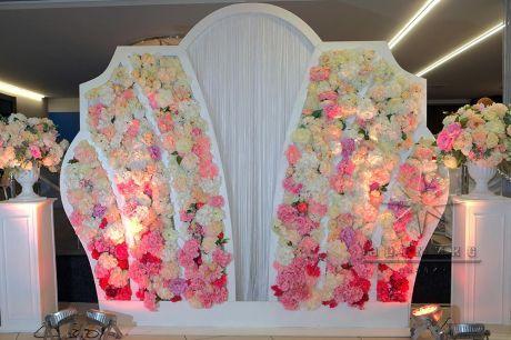 Фотозона Корона с цветами