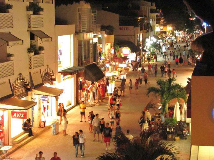 Quinta Avenida, Playa del Carmen, Riviera Maya, Mexico