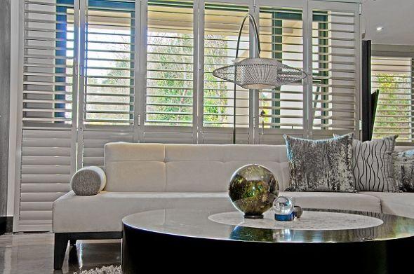 Adjustable shutters doors in the lounge
