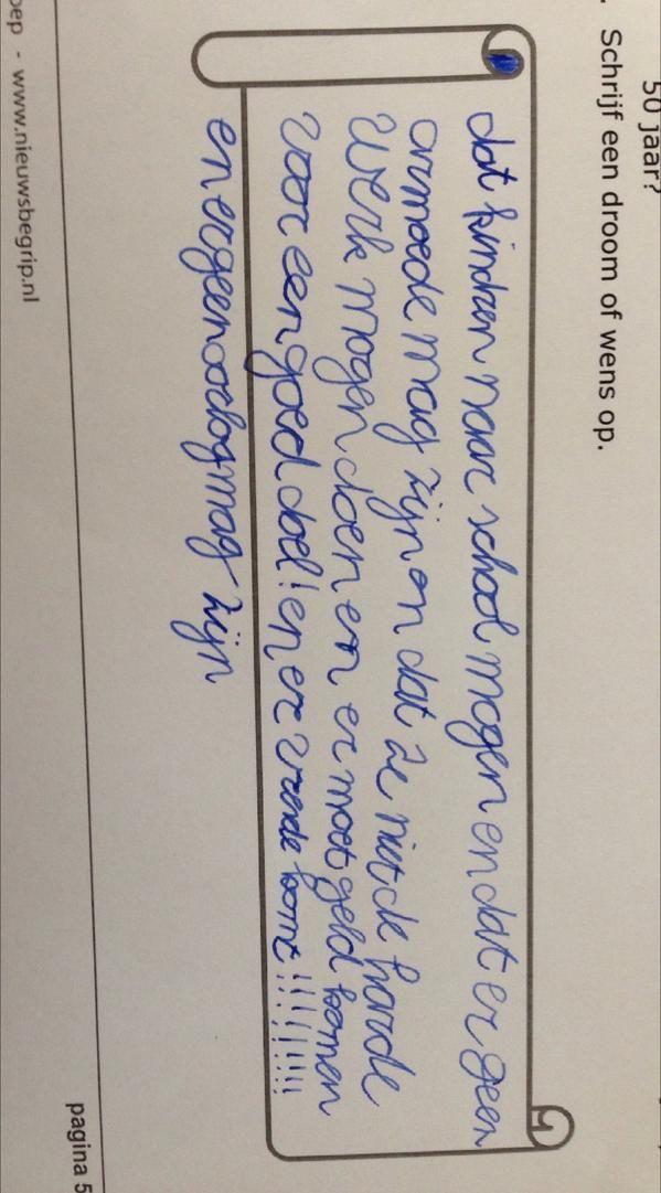 Leerling uit groep 5 schrijft wensen op n.a.v. de les over Malala #nobelprijs voor de vrede @nieuwsbegrip