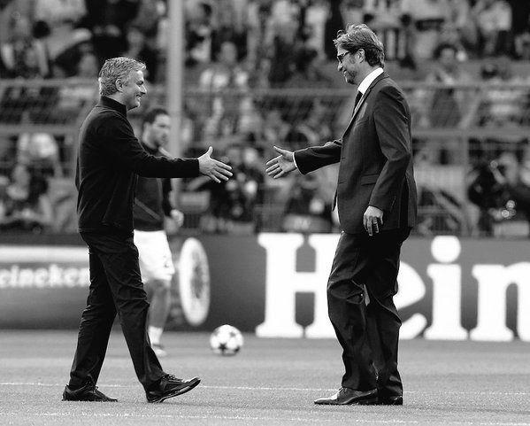 Już jutro pojedynek dwóch świetnych trenerów w Premier League • Jose Mourinho vs Jurgen Klopp czyli Chelsea vs Liverpool • Zobacz >> #mourinho #klopp #football #soccer #sports #pilkanozna