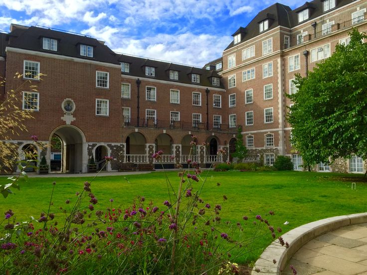 William Goodenough Collage accommodation review by travel blogger A Girl Who Travels