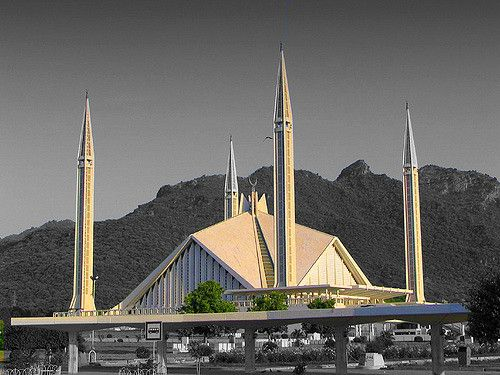 https://flic.kr/p/7kzxtf | Faisal mosque (Islamabad, Pakistan) | islam in Pakistan represent the 97% of the population  it is the main religion in Pakistan