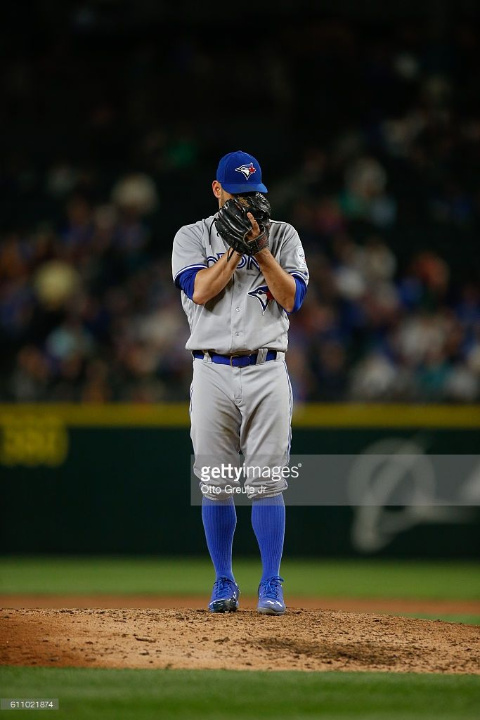 Starting pitcher Marco Estrada #25 of the Toronto Blue Jays looks in for the sign against the Seattle Mariners at Safeco Field on September 19, 2016 in Seattle, Washington.
