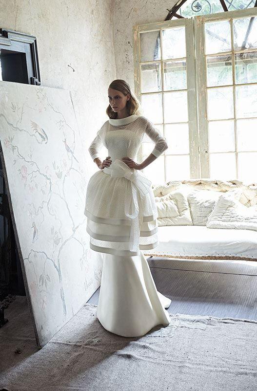 Collezione Signature 2014 - Elisabetta Polignano: un abito bianco e strutturato creato con la purezza della seta! Semplicemente elegante, prezioso, unico #wedding #weddingdress #weddinggown #abitodasposa