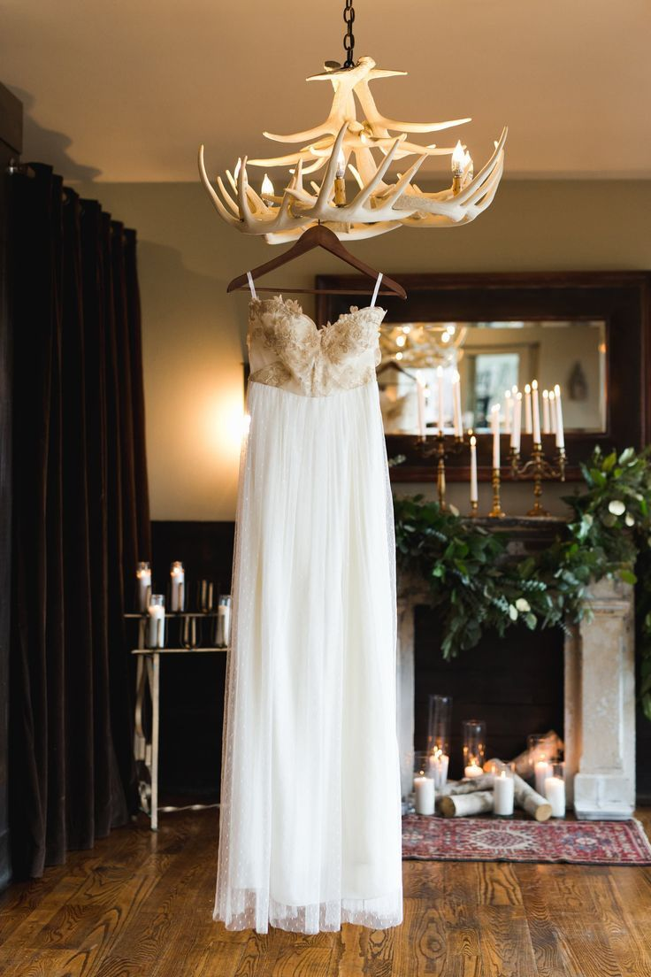 Ivory and gold wedding at country club of the north dayton oh