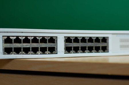 Parametri per scegliere gli switch e posizionamento dei prodotti Allied Telesyn Valutare gli switch: funzionalità e classi Gli switch si occupano di commutazione a livello 2 ovvero di indirizzamento e instradamento all'interno di reti locali. Inoltrano...