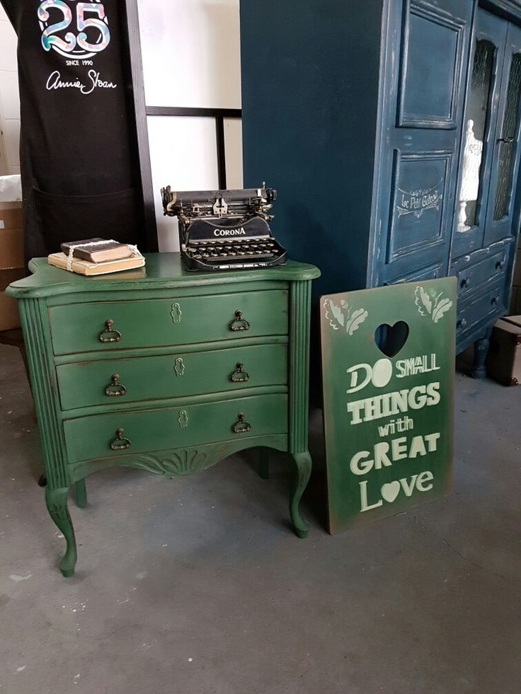New Color❤ Amsterdam Green Annie Sloan Chalpaint