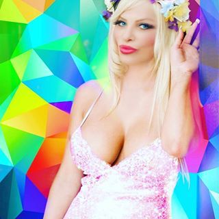 #cicciolina  #stallerilona  #ilonastaller #picoftheday  #pictureoftheday  #like4like  #instagood  #instadaily  #famous  #artist  #in #the #world  #singer  #show #woman #iphone  #love  #