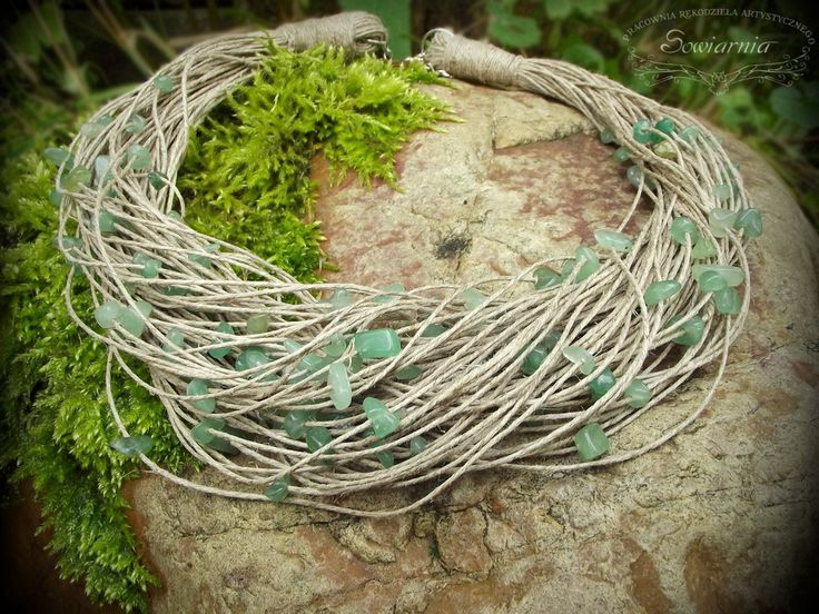 Linen necklace with jade