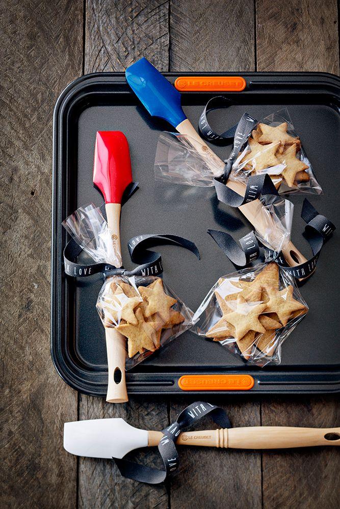 Le Creuset Bakeware // Star Ginger Biscuits
