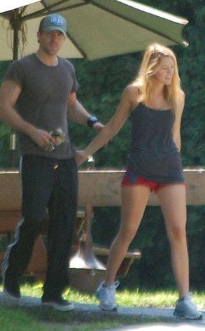 Ryan Reynolds, Blake Lively - gym rats together .. celeblove  http://pinterest.com/annoldenburg/celeblove/