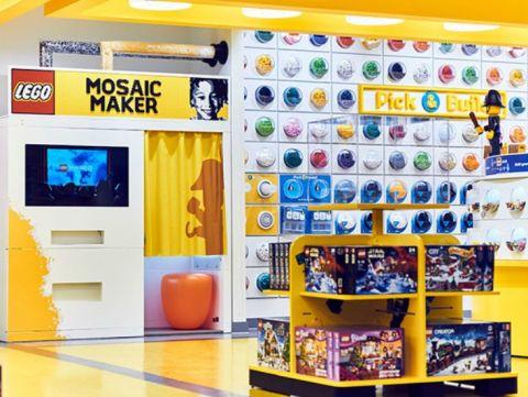 Decoración interior de la tienda de Lego en Londres, 4º mejor tienda del mundo sobre 50. #comercio #retail @Lego