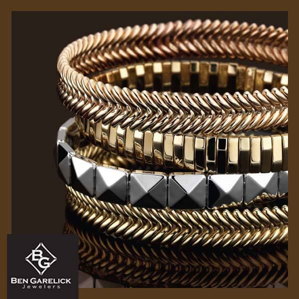 Chimento 18K Italian gold bangles are the perfect accessory for your summer tan.