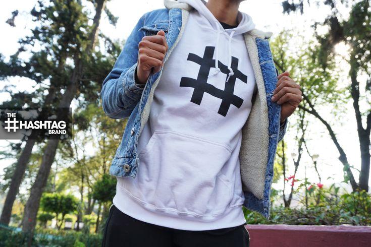 Las #chamarras de mezclilla y la hoodie #Hashtag se llevan muy bien  😏💥#️⃣ #TheHashtagBrand #Hoodie (hashtag hoodie swag style mezclilla denim jacket outfit idea winter new brand white logo street men sweatshirt)