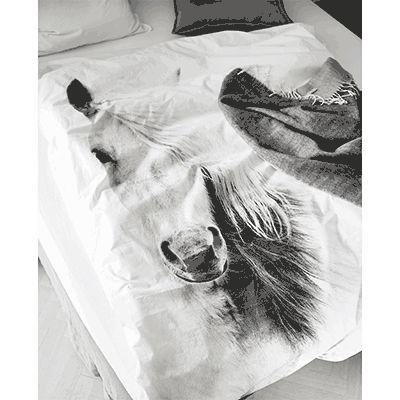 By Nord Horse sengetøj. Kan købes hos indeliv.dk