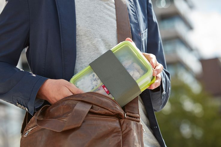 Lunchbox für unterwegs mit separaten Teller zum Essen. #emsa #emsagmbh #clipandgo #lunchbox #lunch #frischhaltedosen #healthyliving #foodtogo #mealprep #healthy #togo