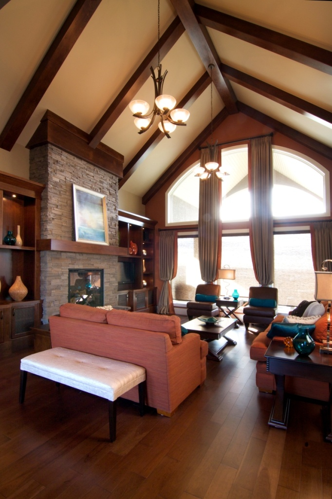 cathedral ceiling finish ideas - Great Room in Bungalow with vaulted ceiling