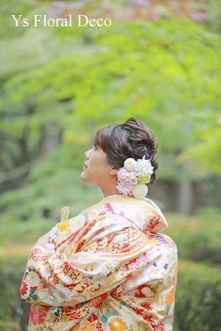 11月にロケーションフォトなさった新婦さんより、当日のお写真をいただきましたので、ご紹介いたします。美しい横顔の新婦さん、紅葉の始まりの時期にお庭の美しい...