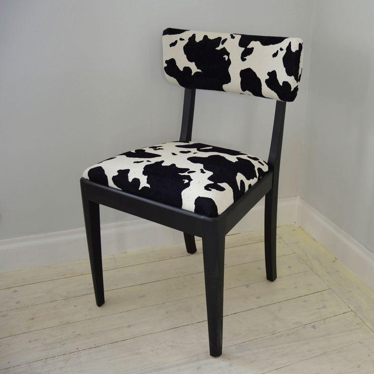 Härlig stol med möbelspikar