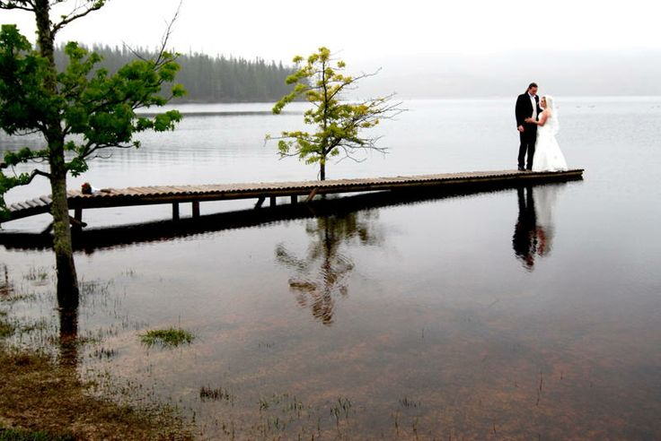 Wedding photo on Dam at the Elgin Grabouw Country Club