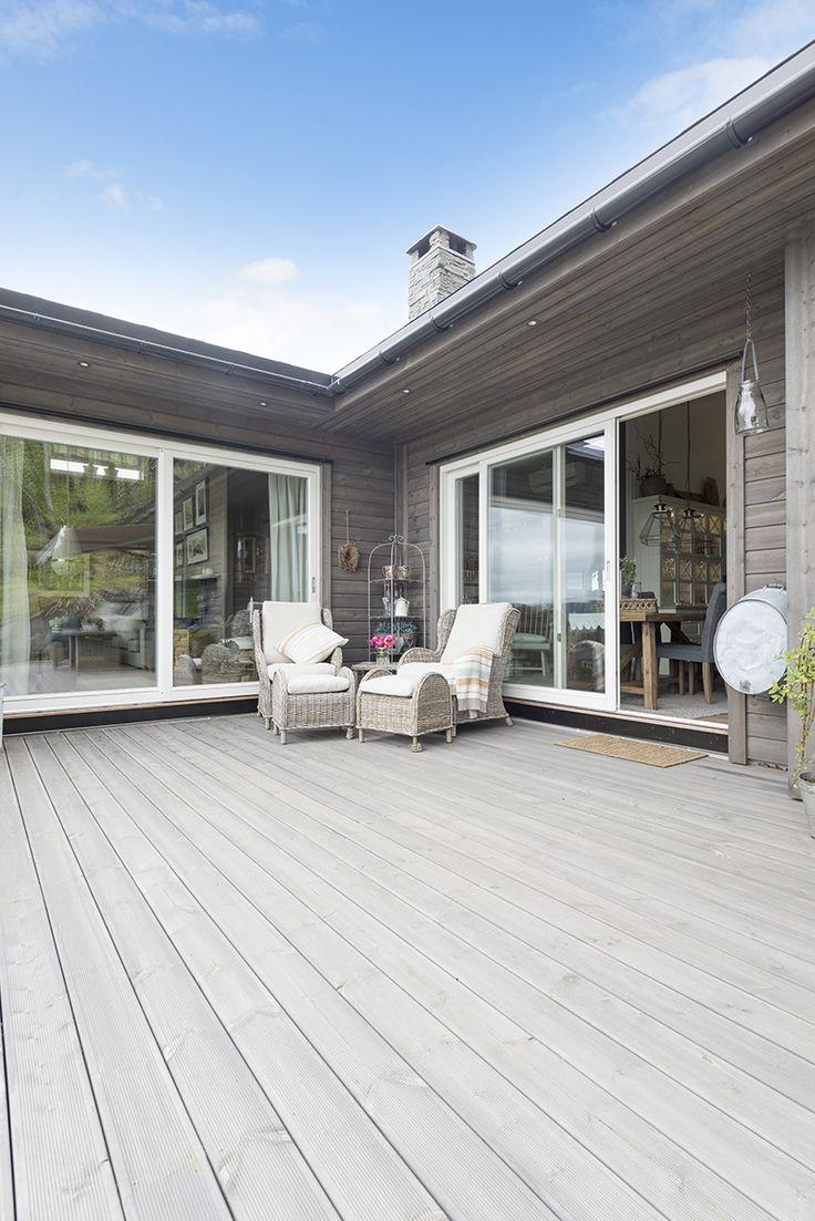 Få det fint med terrasse og kledning i grå MøreRoyal®