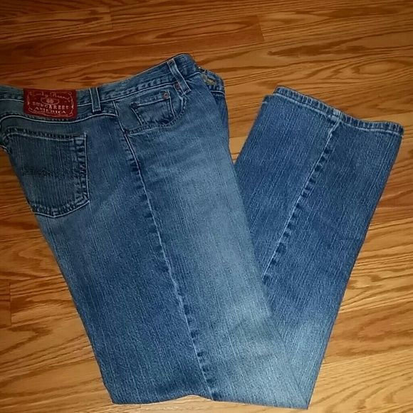 """Lucky Brand jeans ( Weekend Sale !! ) In  good condition,  inseam 32""""..has some stretch Lucky Brand Jeans"""
