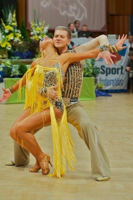 how to dance cuban salsa